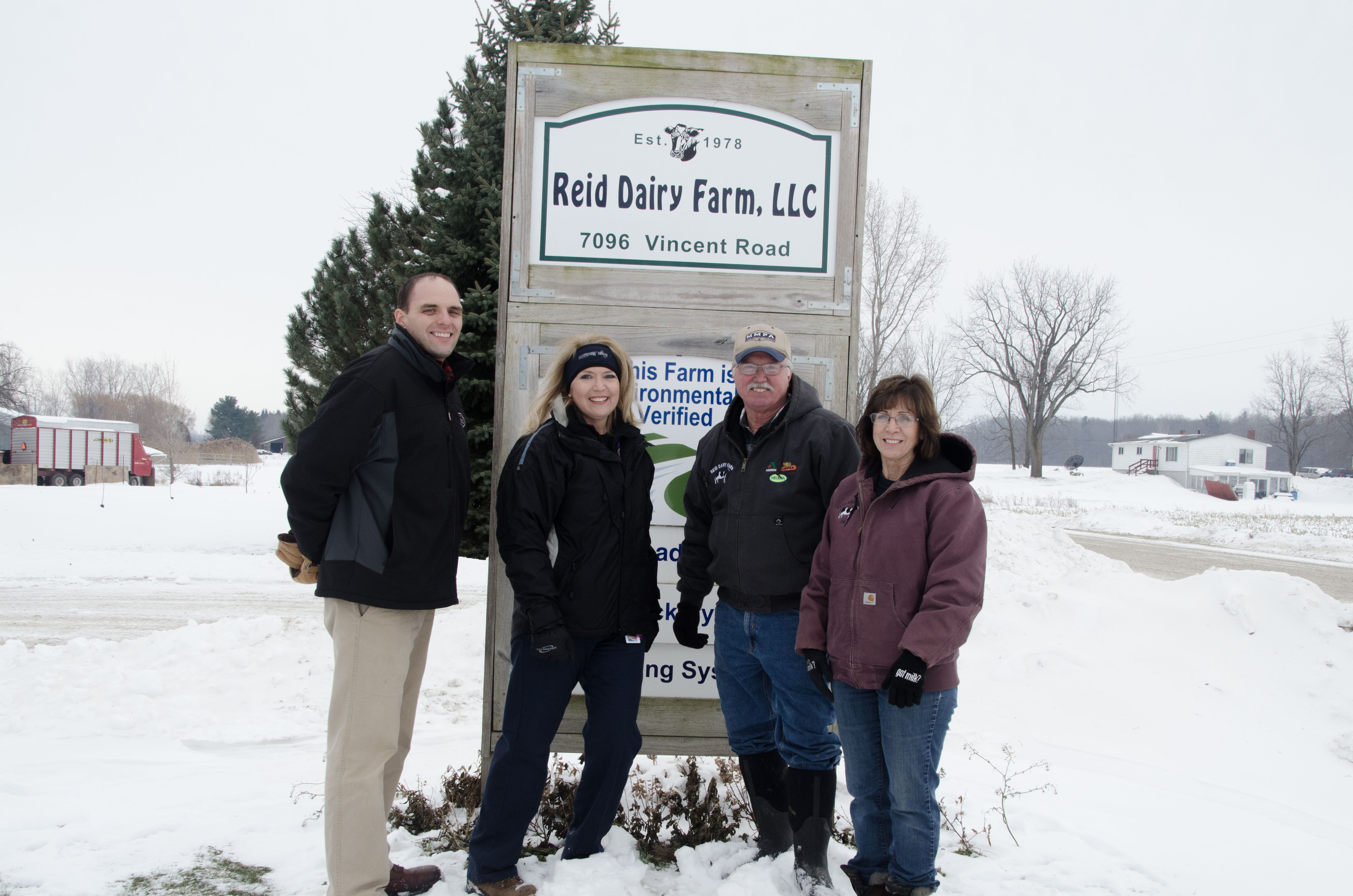 Kroger executives at Reid Dairy Farm